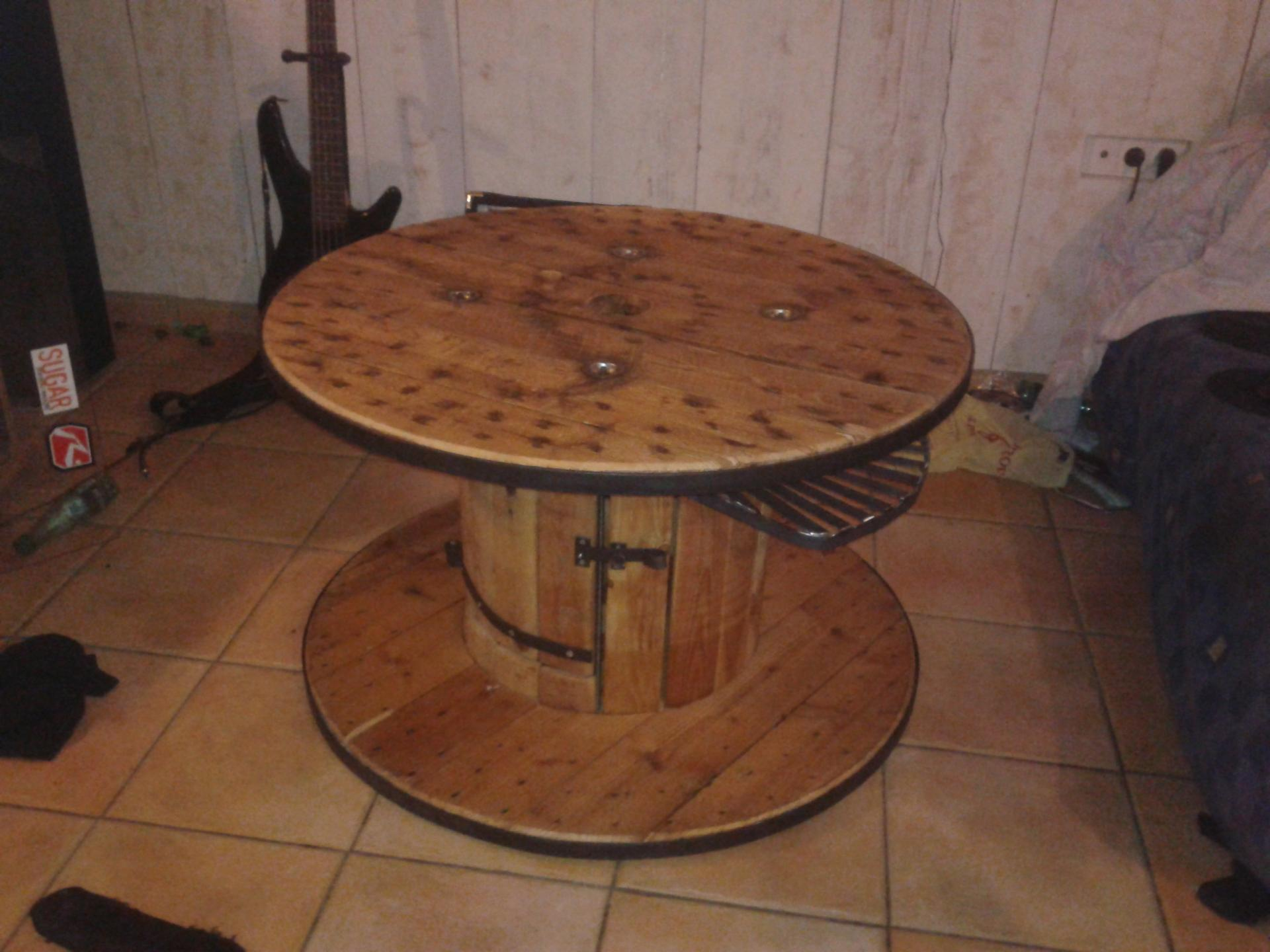Table basse ronde fer et bois for Table basse en fer et bois